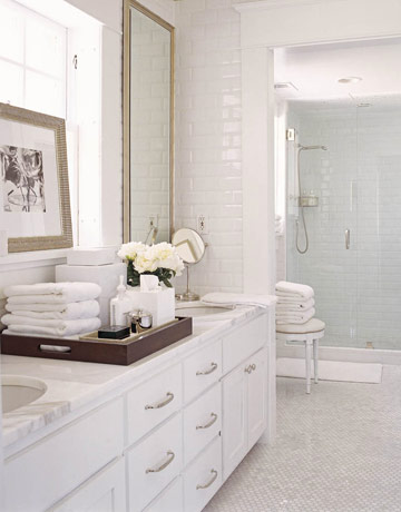Top 10 Inspirational Bathrooms with House